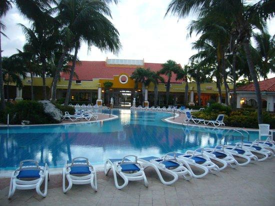 Entrada y piscina picture of sol cayo guillermo cayo for Entrada piscina