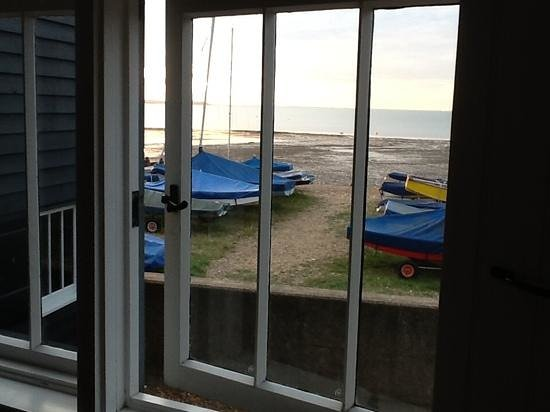 Hotel Continental - Fisherman Huts: the view from the main bedroom hut 9
