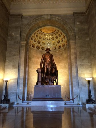 George Washington Masonic National Memorial: The Main Lobby