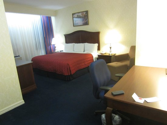 Ramada Jersey City: big and confortable room