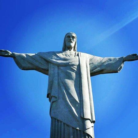 Statue du Christ Rédempteur : Hermoso lugar para visitar es una visita obligada en esta ciudad la mejor vista de la ciudad las
