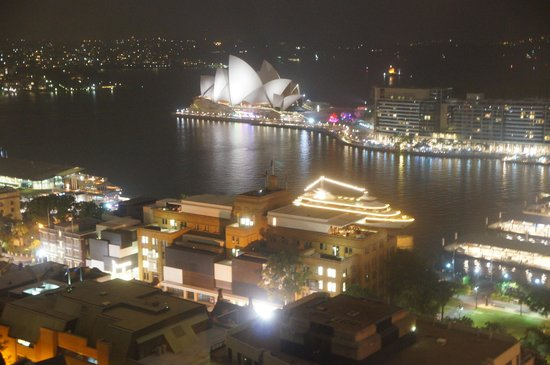 Shangri-La Hotel Sydney: View at night