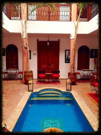 Riad Adika: La piscine
