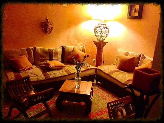 Riad Adika: Le salon de l'entrée