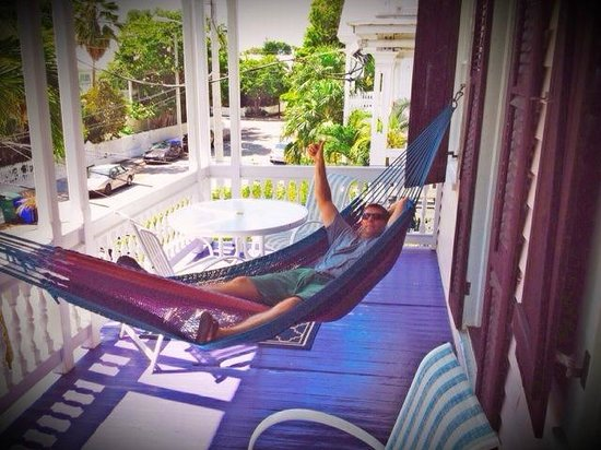 Key West Bed and Breakfast : Hammock on shared covered deck
