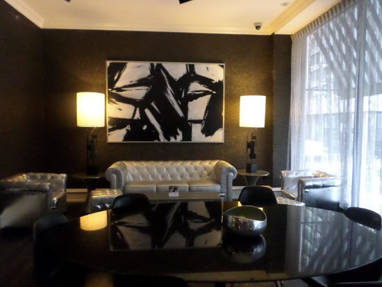 Moderne Hotel: The free guest lounge