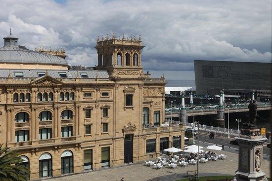 Hotel Maria Cristina, a Luxury Collection Hotel, San Sebastian: vista do quarto