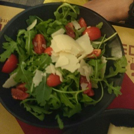 Aperitivo Et Al: サラダ