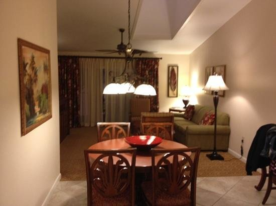 Sheraton Vistana Resort - Lake Buena Vista: two bed apartment living room- the palms