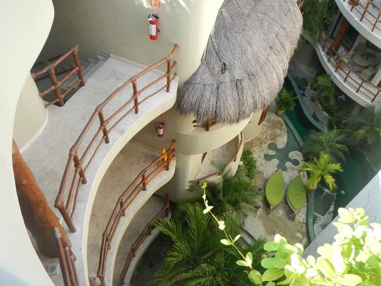 Maya Villa Condo Hotel & Beach Club : View of the Gecko pool - Room 417