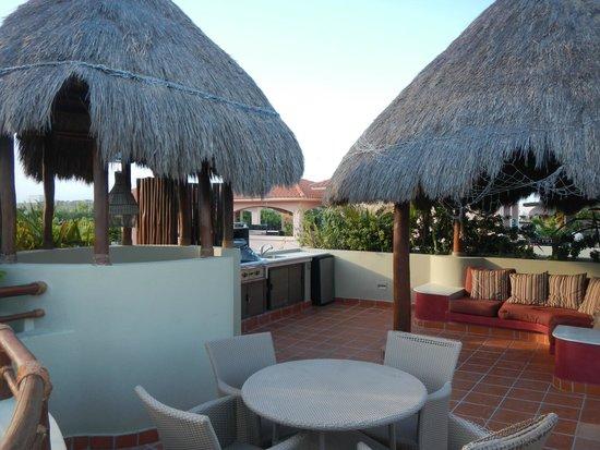Maya Villa Condo Hotel & Beach Club : Rooftop Terrace - Room 417