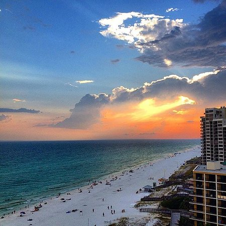 Hilton Sandestin Beach, Golf Resort & Spa : Sunset at Sandestin