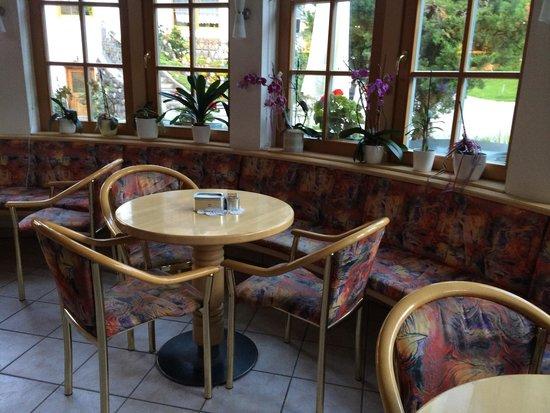 Tavolino Del Bar.Tavolini Del Bar Picture Of Pizzeria Pineta San Martino