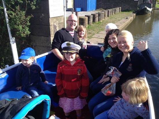 New Horizons Canal Boat: The gang