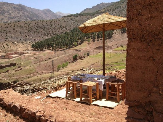 Morocco Attractive Tours : Berber Lunch
