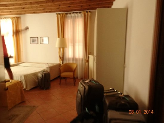 Residence Corte Grimani : 2nd room to our suite with 2 twins and pull out sofa bed