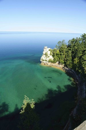 Marquette Motor Lodge: Lake Superior Shoreline