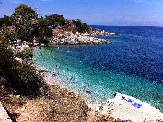 Hotel Magna Graecia: Spiaggia bataria kassiopi