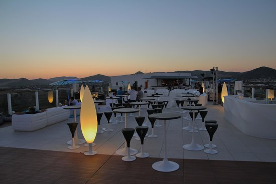 Hard Rock Hotel Ibiza: Rooftop bar
