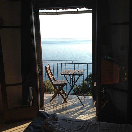 Hostel Katerina: Greeting the sea