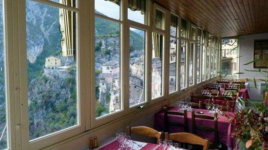 Le Bellevue Restaurant: vue panoramique sur le village