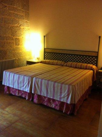 Hotel Monumento Monasteiro de San Clodio: Habitacion