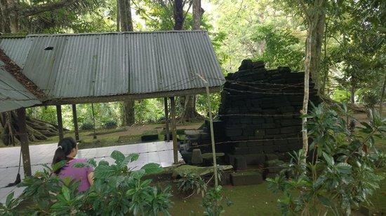 Rambut Monte Temple