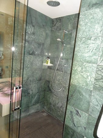 Catalonia Atocha: La ducha (grande y espaciosa)