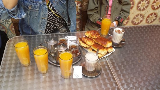 Le Médina Essaouira Hôtel Thalassa Sea & Spa - MGallery Collection : Petit déjeuner chez driss dans la medina