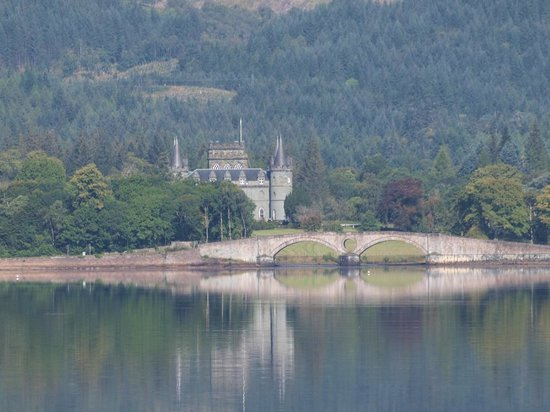 Inveraray Castle: waterfront