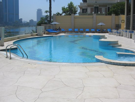 Hilton Cairo Zamalek Residences : Swimming pool