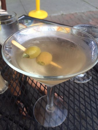 Irises Cafe and Wine Bar: Hot and dirty martini
