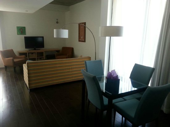 Hotel Indigo Athens-University area: Suite 201