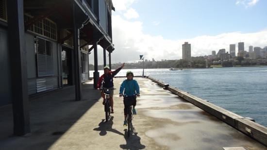 Bike Buffs - Sydney Bicycle Tours: cycling with bike buffs