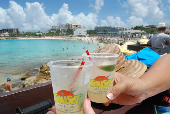 Sunset Beach Bar: Drinks