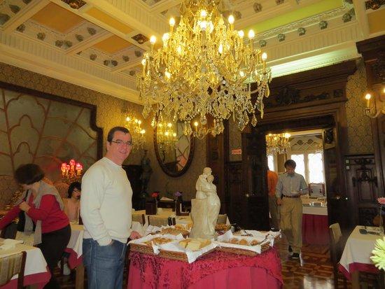Castelo de Santa Catarina: Café da manhã no restaurante