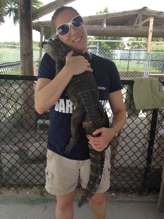 Captain Jack's Airboat Tours : Hugging Wally the alligator
