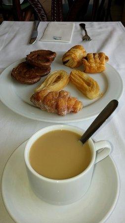 Hotel Dunas Suites and Villas Resort: Desayunando...��