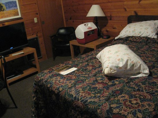 Apple Inn Motel: Room #35