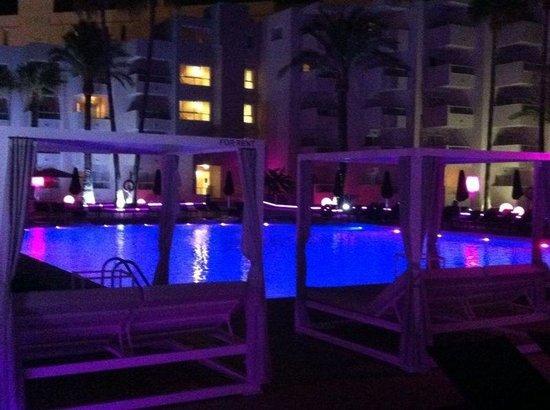 Hotel Garbi Ibiza & Spa: Large pool