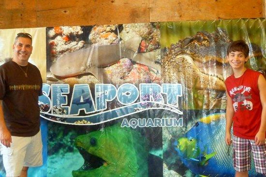 Seaport Aquarium: Outside the entrance.