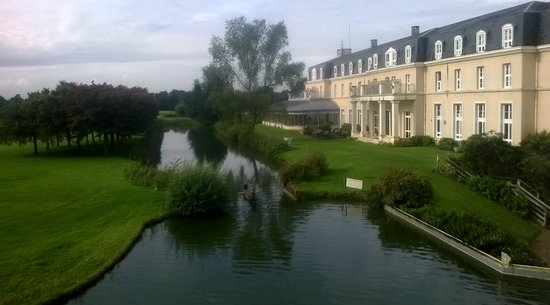 Dolce Chantilly : View acros the moat with all its cruising carp!!