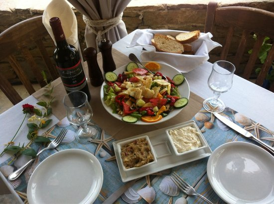 Schinoussa, Greece: Meltemi salat