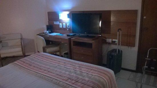 Hotel Princesa Louca : tirando a TV, tudo velho...