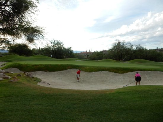 La Paloma Country Club: Big bunkers with good sand.