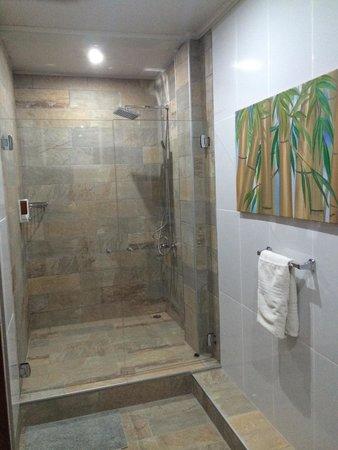 Hotel Plaza Yara: La doccia!