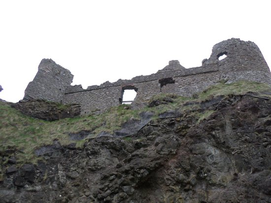 Dunluce Castle: View from bottom