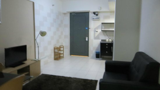 One-Stop Serviced Residence & Office: main room from bedroom
