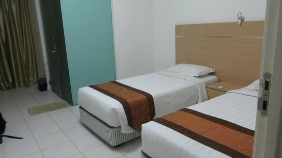 One-Stop Serviced Residence & Office: twin beds