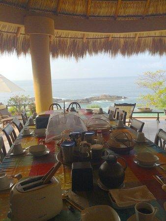 Casa Pan de Miel : Vista desde el comedor a la hora del desayuno